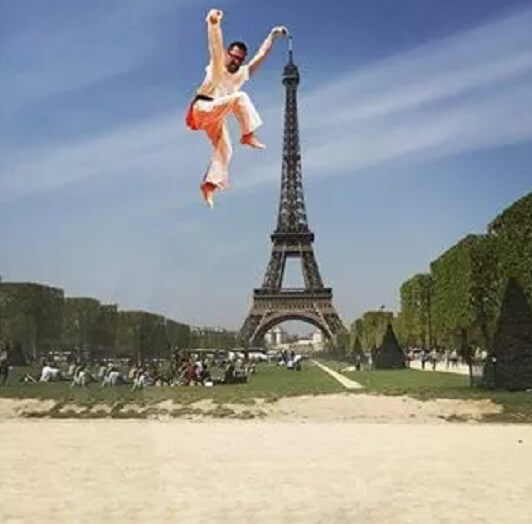 eifel-tower-karate-photoshop