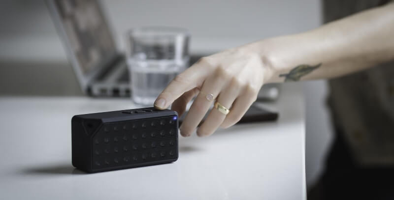 Hand-Bluetooth-Blur-Black-Speaker-Ring-People-2562219