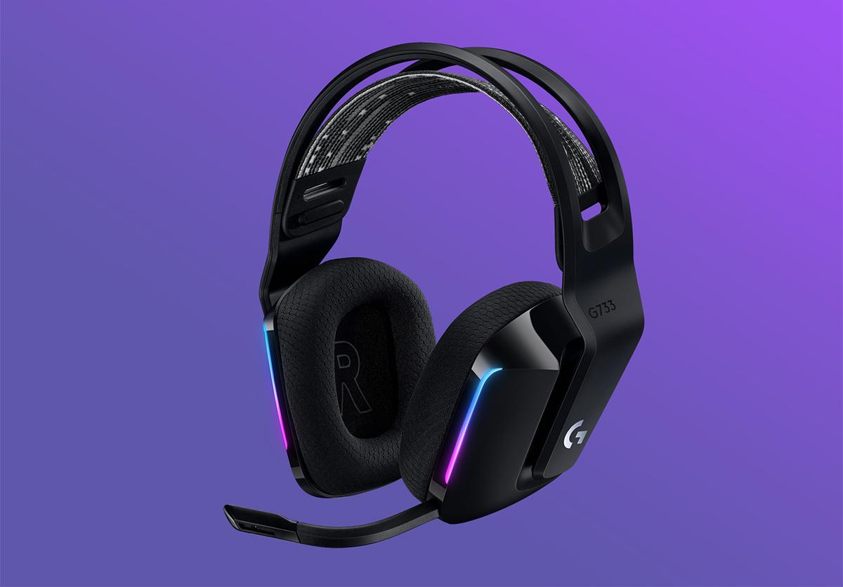 logitech-G733-Wireless-headphones-1